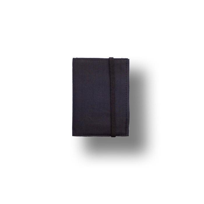 uu_bifold_folded_charcoal_shadow_1400